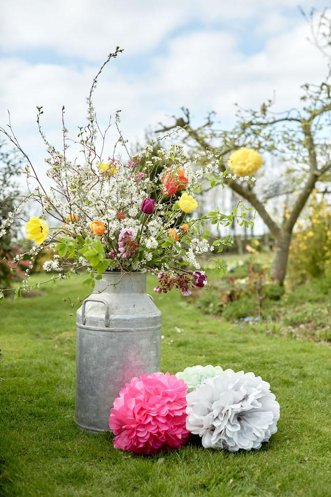 Spring time wedding decor