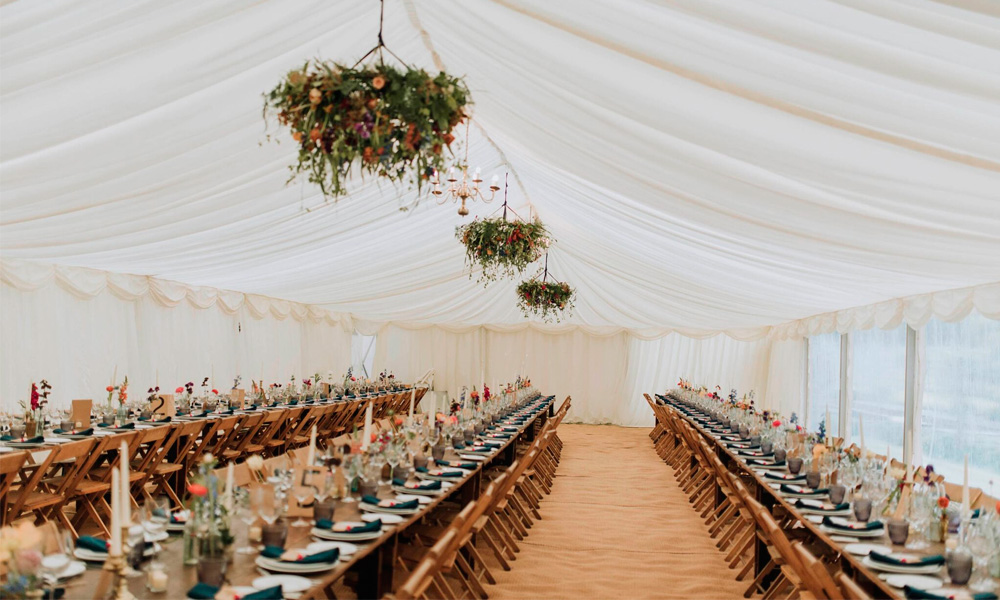 Floral chandelier voewood