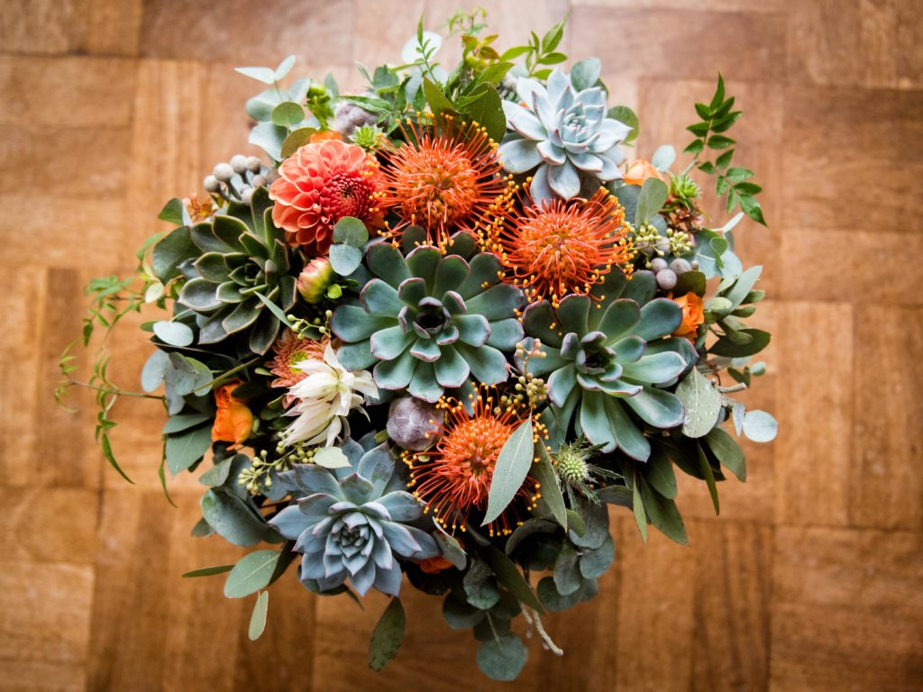 Autumn wedding table flowers