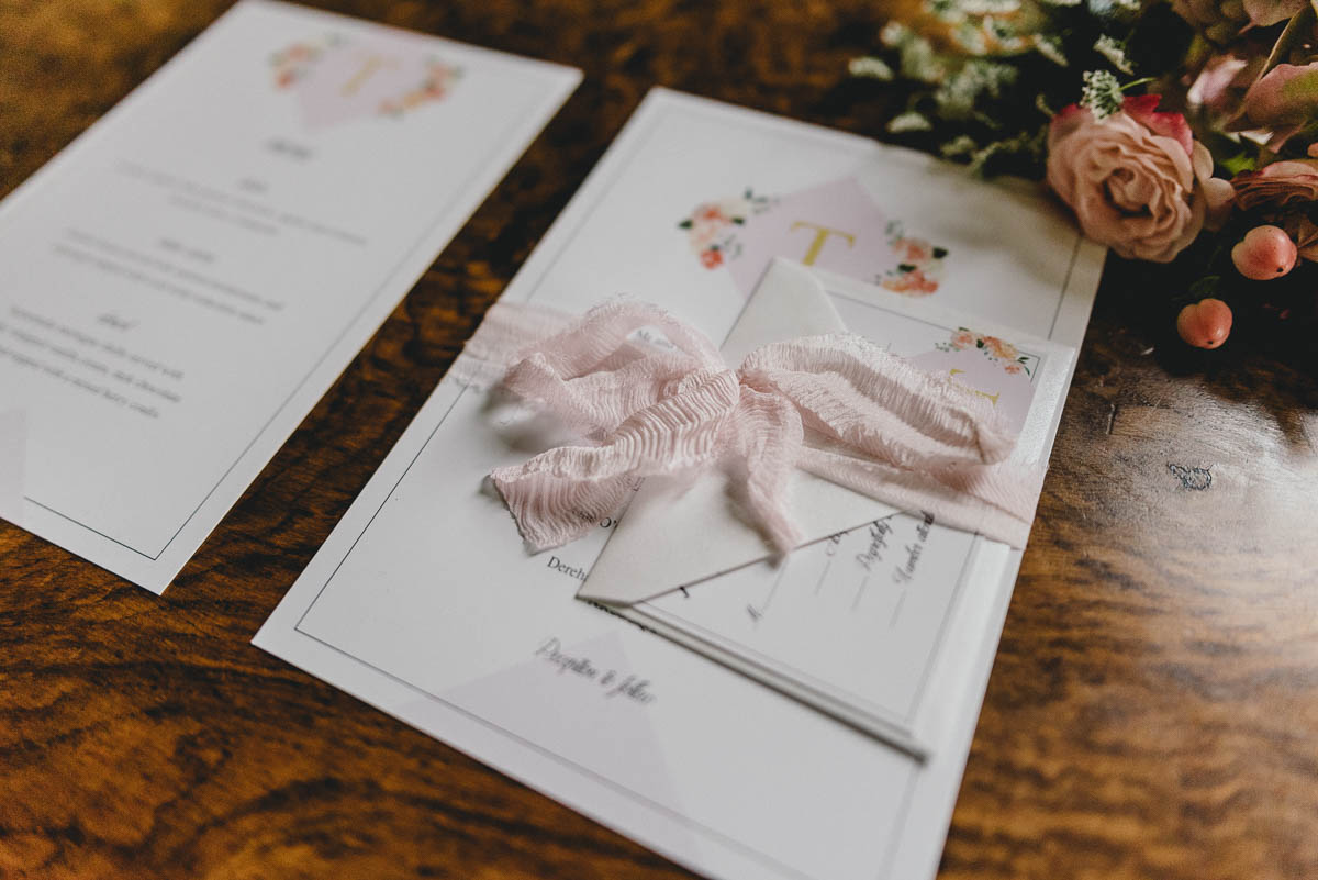 COUNTRY LUXE STATIONERY